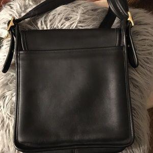 VINTAGE 100% Black Leather COACH Crossbody Bag